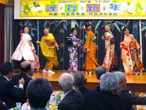 左から=仲盛恵理香さん、内盛美咲さん、前本とわさん、新城優妃さん、内盛実奈さん、島仲乃愛さん